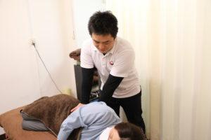 梅田駅徒歩圏内中津だるま整骨院の交通事故治療施術写真