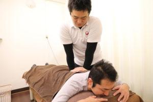 梅田駅徒歩圏内中津だるま整骨院の腰痛マッサージ整体の写真
