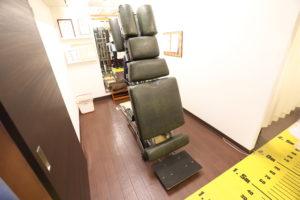 梅田駅徒歩圏内中津だるま整骨院の整体や骨盤矯正の施術ベッド